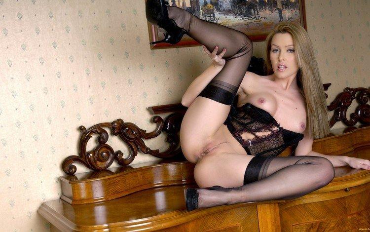 порно фото женщины в сексуальном белье