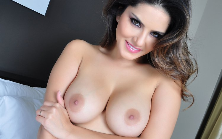 brunette, look, model, chest, beauty, ass, sunny leone, girl, sexy