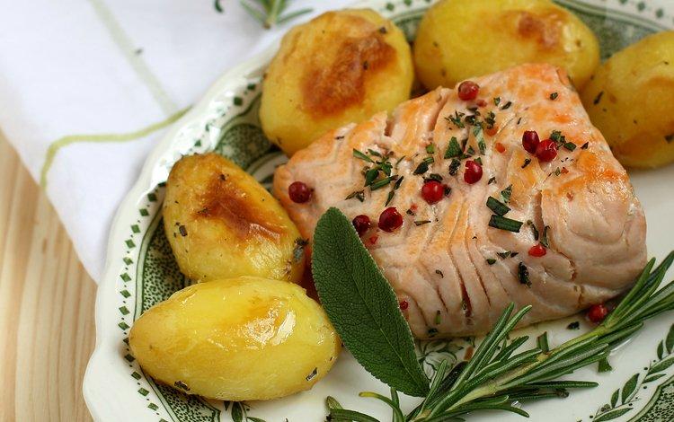 fish, potatoes, salmon, rosemary, sage