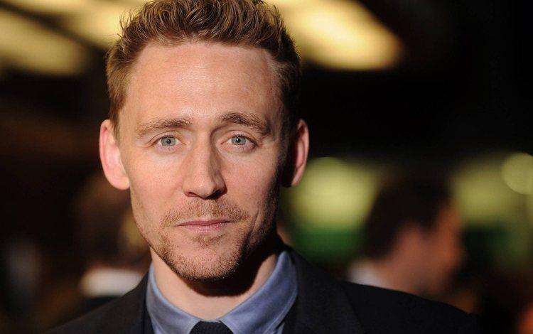 улыбка, портрет, взгляд, актёр, лицо, мужчина, том хиддлстон, smile, portrait, look, actor, face, male, tom hiddleston