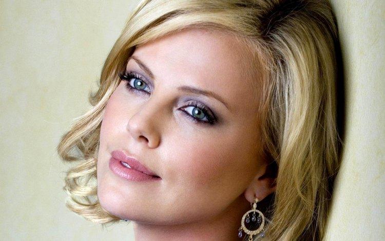блондинка, взгляд, лицо, актриса, шарлиз терон, сёрьги, blonde, look, face, actress, charlize theron, earrings