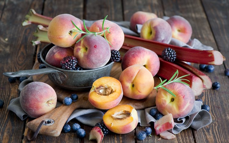 фрукты, ягоды, персики, черника, ежевика, fruit, berries, peaches, blueberries, blackberry