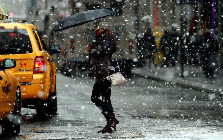 девушка, город, улица, снегопад, girl, the city, street, snowfall