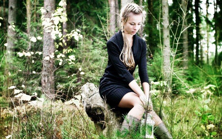 девушка, в лесу, на пеньке, girl, in the woods, on the stump
