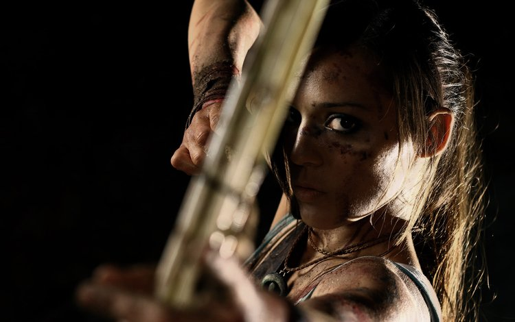 dirt, girl, weapons, look, bow, black background, arrow, face, lara croft, tomb raider, charly brusseau