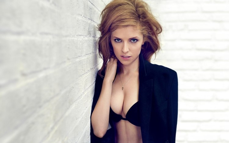 девушка, взгляд, грудь, актриса, boobs, анна кендрик, бюсгалтер, girl, look, chest, actress, anna kendrick, bra