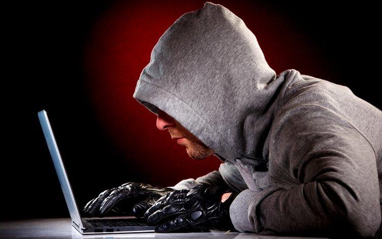 парень, перчатки, блокнот, хакер, хищение данных, записные книжки, guy, gloves, notepad, hacker, data theft, notebook