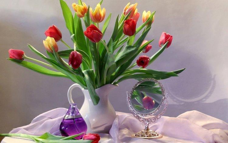 зеркало, букет, тюльпаны, духи, mirror, bouquet, tulips, perfume