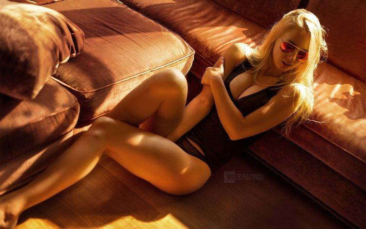 girl, blonde, glasses, panties, sitting, photographer, sofa, mike, pillow, on the floor, wojtek pruchnicki