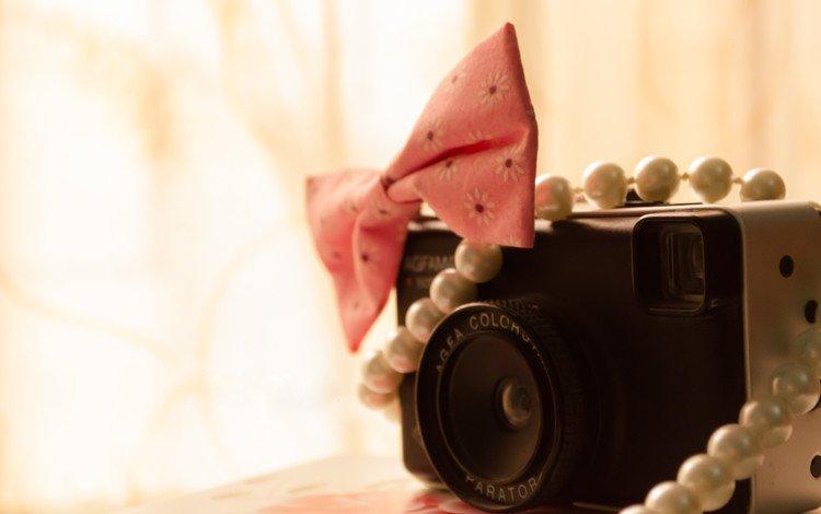 фотоаппарат, бусы, камера, бант, бантик, the camera, beads, camera, bow