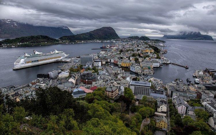 панорама, aalesund, дома, hjørundfjorden, geirangerfjord, здания, олесунн, хьюронд-фьорд, норвегия, лайнер, круиз, фьорды, норвегии, гейрангер-фьорд, ålesund, panorama, home, building, jurong fjord, norway, liner, cruise, fjords
