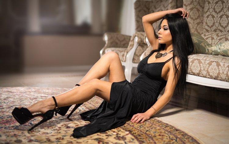 девушка, брюнетка, модель, ноги, каблуки, черное платье, marina shimkovitz, girl, brunette, model, feet, heels, black dress