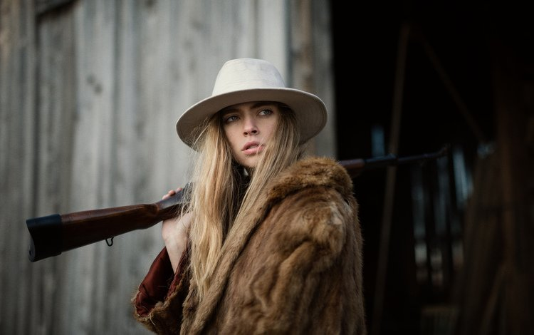 girl, look, rifle, face, fur, hat, marta