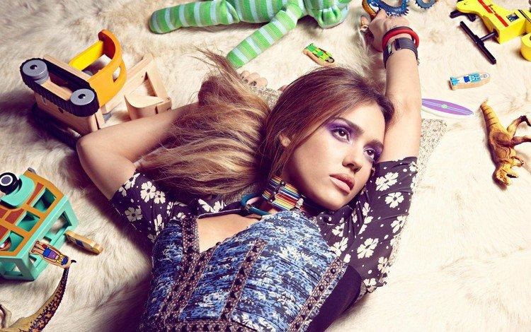 девушка, игрушки, актриса, ковер, джессика альба, джесика альба, girl, toys, actress, carpet, jessica alba