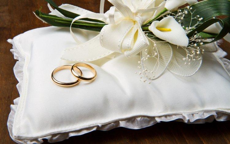 цветы, обручальные кольца, подушечка, flowers, engagement rings, cushion