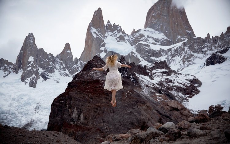 mountains, snow, girl, dress, lichon, levitation, learn to fly