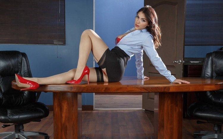 девушка, каблуки, юбка, туфли, трусики, секси, модель, сиськи, ноги, boobs, без задних ног, ножки, дамское белье, чулки, gевочка, сексапильная, трусы, girl, heels, skirt, shoes, panties, sexy, model, tits, feet, legs, lingerie, stockings, briefs