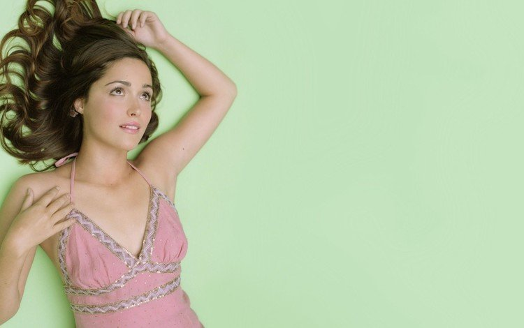 брюнетка, актриса, руки, карие глаза, роуз бирн, розовое платье, brunette, actress, hands, brown eyes, rose byrne, pink dress