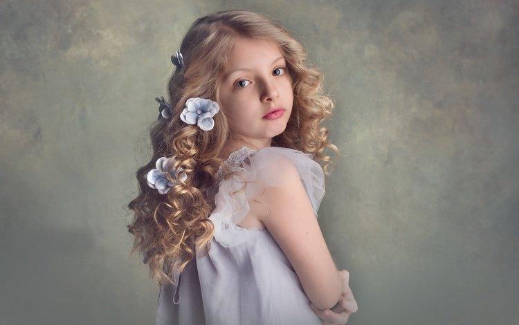 цветы, дети, девочка, прическа, локоны, кудряшки, meg bitton, flowers, children, girl, hairstyle, curls
