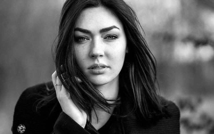 девушка, портрет, взгляд, чёрно-белое, волосы, лицо, girl, portrait, look, black and white, hair, face