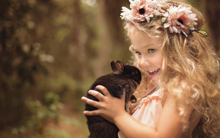 цветы, ребенок, природа, кролик, улыбка, животное, локоны, дети, венок, радость, девочка, волосы, лицо, flowers, child, nature, rabbit, animal, smile, curls, children, wreath, joy, girl, hair, face
