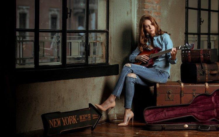 девушка, интерьер, гитара, окно, рубашка, высокие каблуки, рваные джинсы, girl, interior, guitar, window, shirt, high heels, ripped jeans