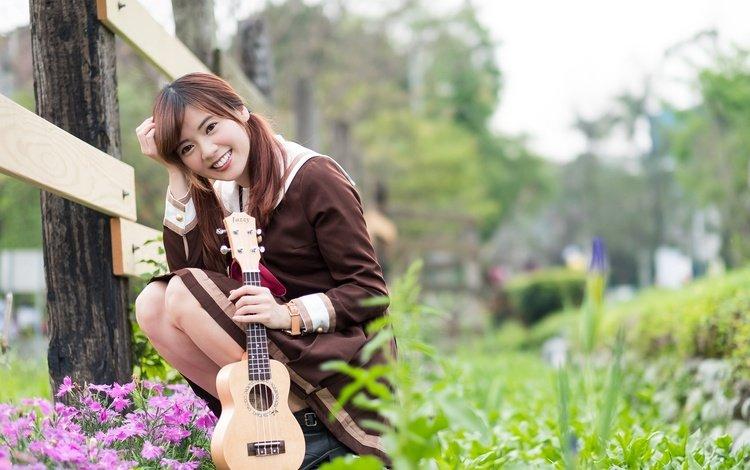 цветы, девушка, настроение, улыбка, гитара, взгляд, азиатка, flowers, girl, mood, smile, guitar, look, asian