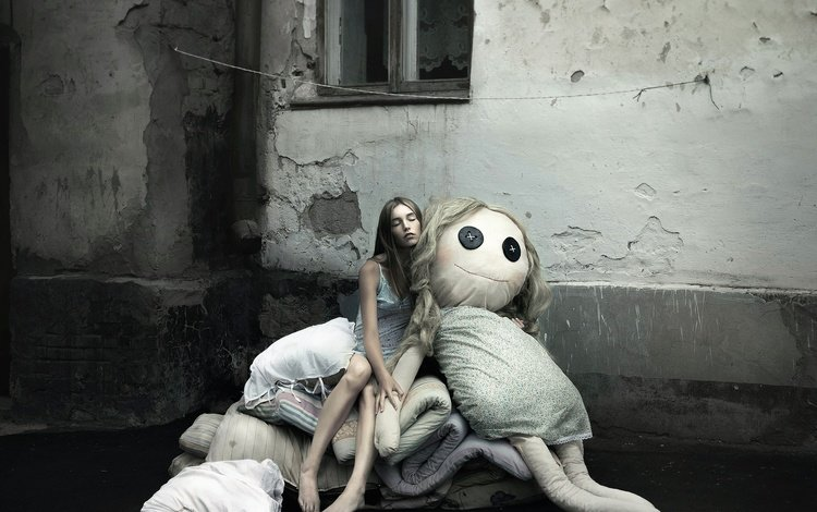 girl, the city, sleep, doll, window, barefoot, photographer olga kiseleva, a somnambulist.nadia