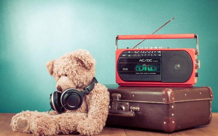 мишка, наушники, игрушка, чемодан, радио, плюшевый мишка, радиоприёмник, bear, headphones, toy, suitcase, radio, teddy bear