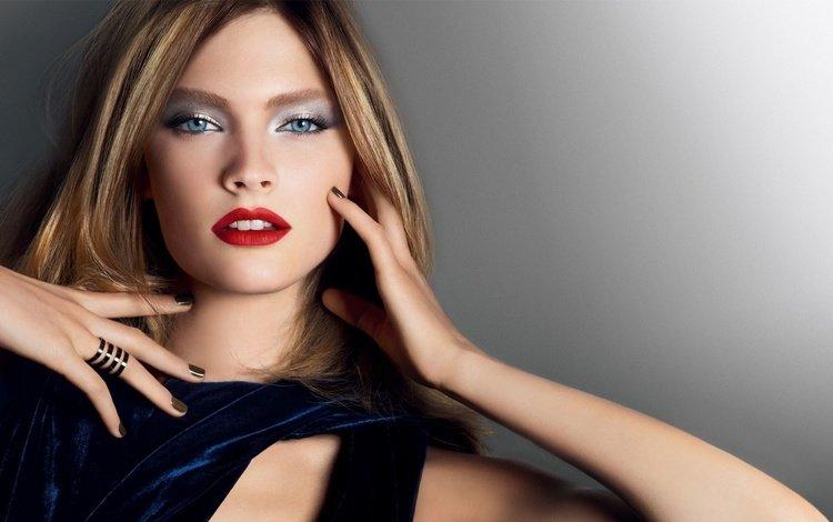 девушка, блондинка, портрет, руки, макияж, girl, blonde, portrait, hands, makeup