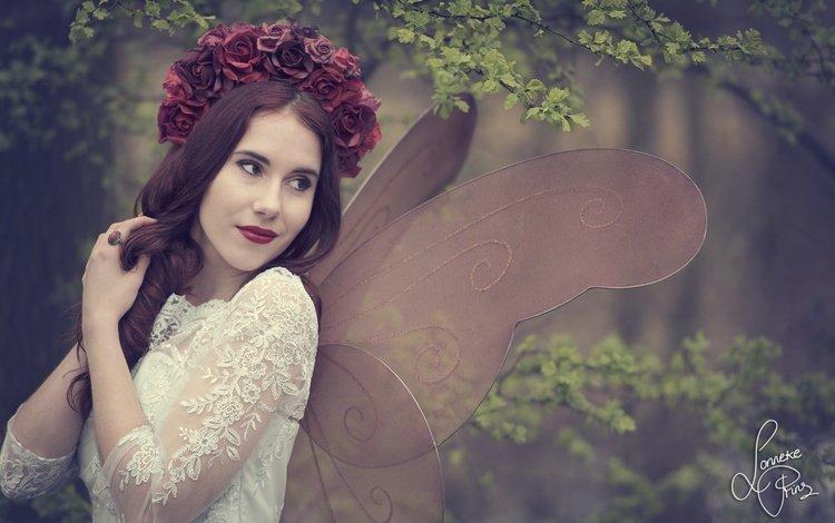 цветы, крылышки, девушка, shanou elise, настроение, ветки, розы, фея, венок, мотылек, flowers, wings, girl, mood, branches, roses, fairy, wreath, moth