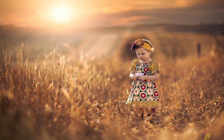 солнце, боке, настроение, платье, поле, девочка, прогулка, ребенок, простор, the sun, bokeh, mood, dress, field, girl, walk, child, space