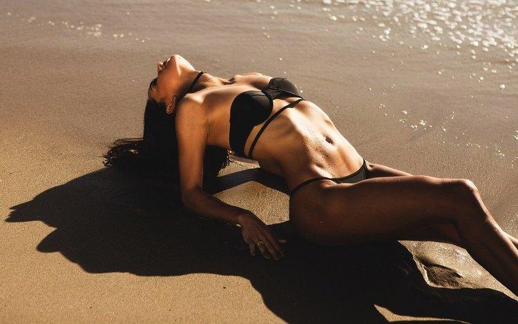 девушка, песок, пляж, брюнетка, лето, модель, фигура, позирует, girl, sand, beach, brunette, summer, model, figure, posing