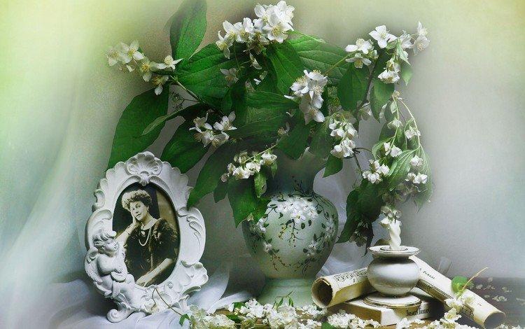 цветы, рулон, ветки, ноты, ваза, свеча, фотография, занавеска, жасмин, flowers, roll, branches, notes, vase, candle, photo, curtain, jasmine