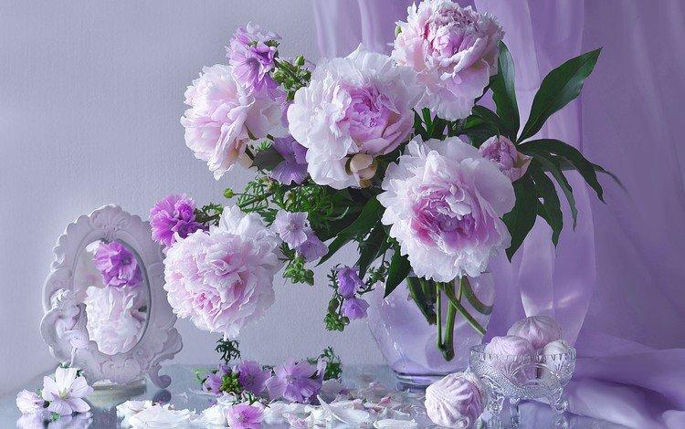 цветы, пионы, лепестки, зеркало, букет, колокольчики, сладкое, зефир, натюрморт, flowers, peonies, petals, mirror, bouquet, bells, sweet, marshmallows, still life