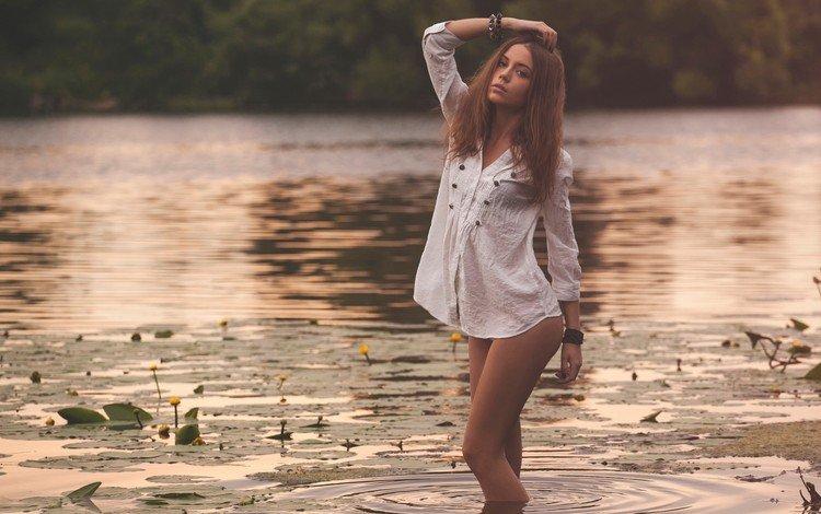 юрий егоров, вода, руки на голове, вечер, озеро, девушка, поза, модель, рубашка, ксения кокорева, yuri yegorov, water, hands on head, the evening, lake, girl, pose, model, shirt, kseniya kokoreva