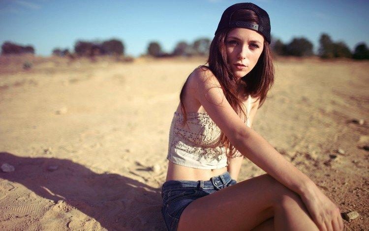девушка, песок, пляж, модель, сидит, кепка, шорты, бейсболка, girl, sand, beach, model, sitting, cap, shorts, baseball cap