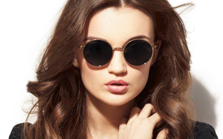 девушка, взгляд, очки, модель, волосы, макияж, позирует, girl, look, glasses, model, hair, makeup, posing