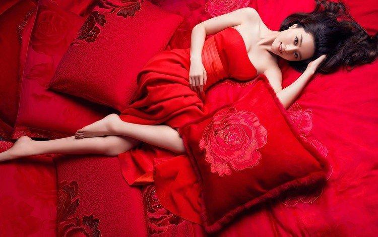 девушка, в красном, взгляд, фань бинбин, волосы, постельное белье, лицо, актриса, кровать, макияж, азиатка, girl, in red, look, fan bingbing, hair, bed linen, face, actress, bed, makeup, asian