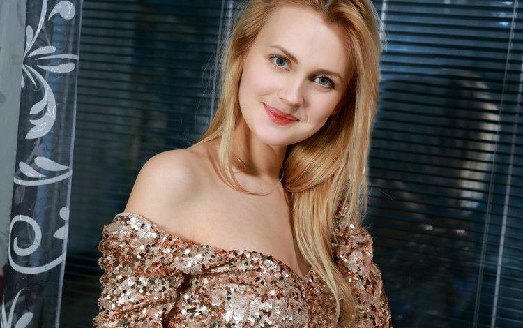 девушка, голые плечи, платье, блондинка, улыбка, взгляд, волосы, лицо, помада, girl, bare shoulders, dress, blonde, smile, look, hair, face, lipstick