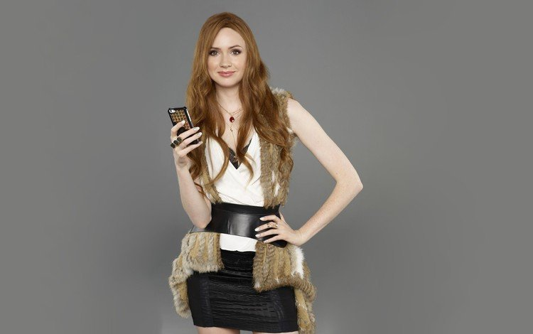 девушка, поза, улыбка, взгляд, модель, лицо, длинные волосы, карен гиллан, girl, pose, smile, look, model, face, long hair, karen gillan