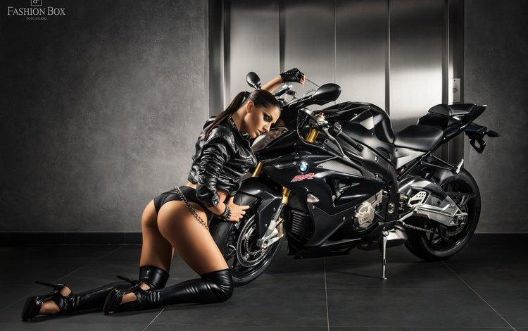 мотоцикл, fetish, байк, жопа, бмв, без задних ног, женщин, ботфорты, модел, motorcycle, bike, ass, bmw, legs, women, boots, model