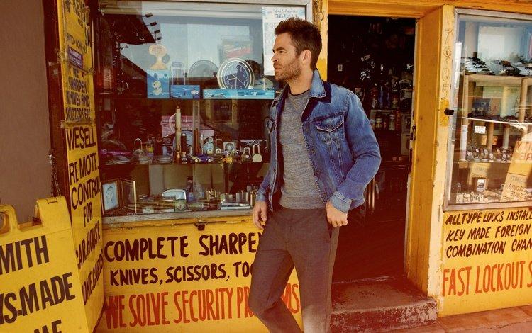 actor, street, t-shirt, shop, photoshoot, pants, esquire, dzhinsovka, chris pine, showcase, yu tsai