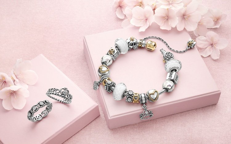 flowers, decoration, bracelet, ring, brand, box, pandora