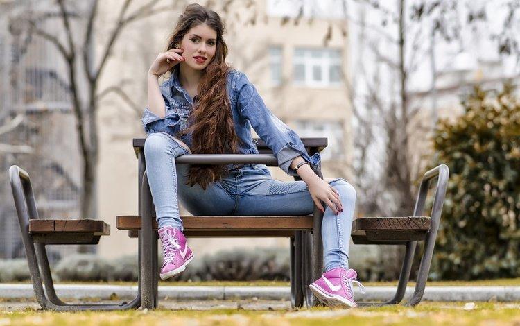 девушка, взгляд, модель, джинсы, волосы, скамья, куртка, gabriela, girl, look, model, jeans, hair, bench, jacket