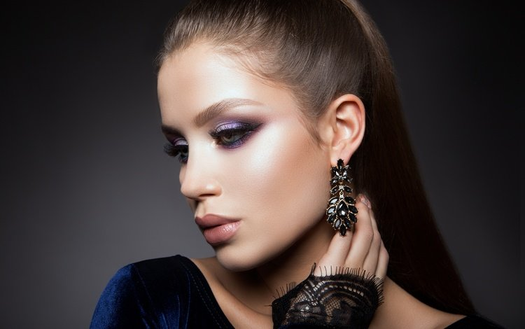 рука, сережки, девушка, взгляд, модель, макияж, прическа, украшение, ресницы, hand, earrings, girl, look, model, makeup, hairstyle, decoration, eyelashes