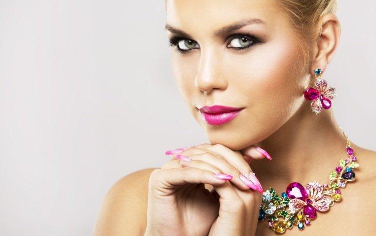 украшения, сережки, девушка, взгляд, макияж, помада, ресницы, колье, маникюр, decoration, earrings, girl, look, makeup, lipstick, eyelashes, necklace, manicure