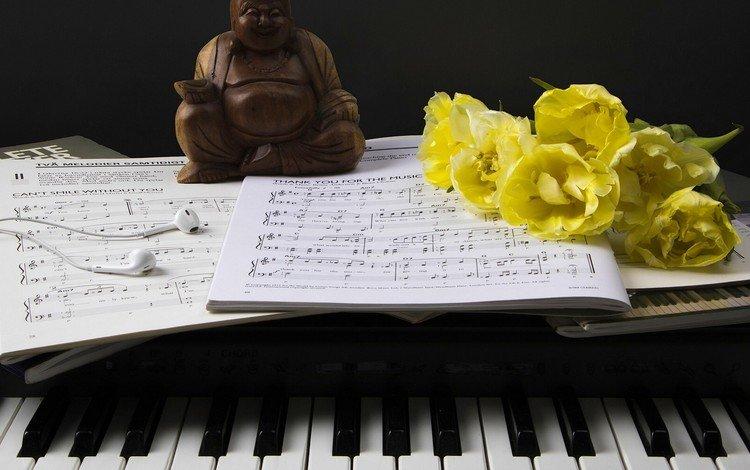 цветы, ноты, статуэтка, наушники, тюльпаны, пианино, клавиши, фигурка, flowers, notes, figurine, headphones, tulips, piano, keys, figure