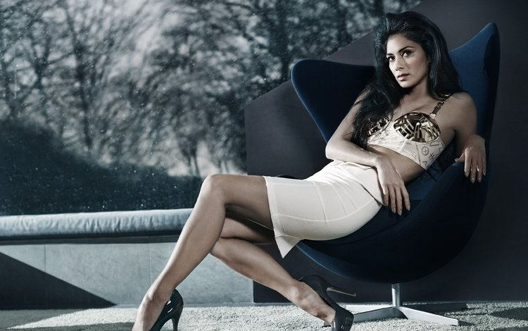 girl, brunette, look, hair, face, chair, singer, nicole scherzinger