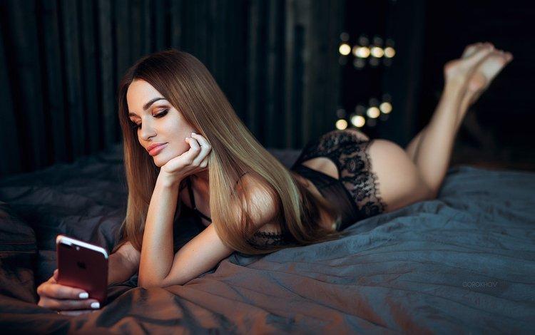 девушка, попа, модель, позирует, длинные волосы, в постели, girl, ass, model, posing, long hair, in bed